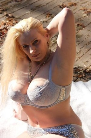Madonna live escorts in Ottawa