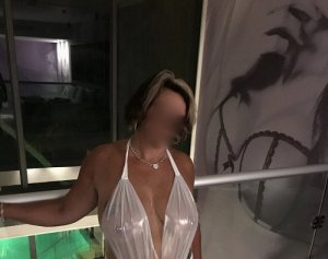 Dabo escort girl in Red Hill SC